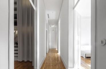 voyeurismo imobiliário numa casa branca