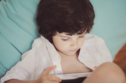 miúdos na internet: 9 cuidados que os pais podem ter